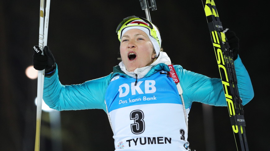 Масс-старт на этапе Кубка мира по биатлону выиграла Домрачева