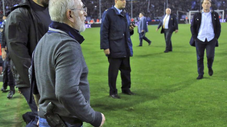 Футбол под дулом пистолета: российский бизнесмен сорвал матч в Греции