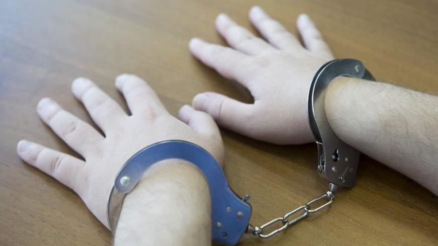 Экс-полицейского, въехавшего в толпу на Урале, арестовали