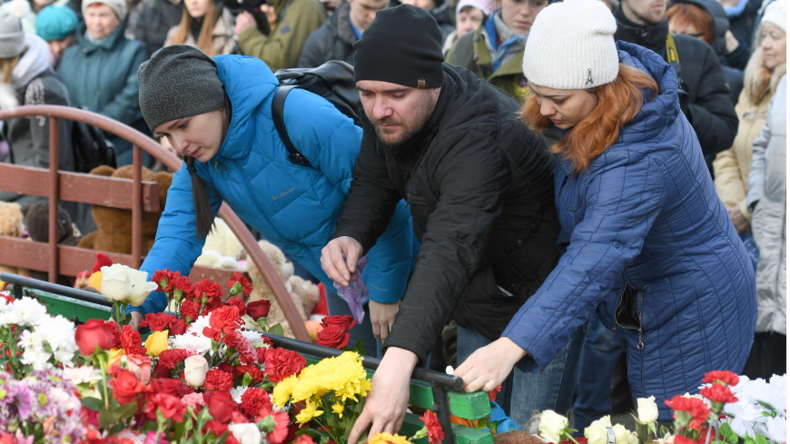 Трагедия в ТЦ «Зимняя вишня»: в Кемерове объявлен трехдневный траур
