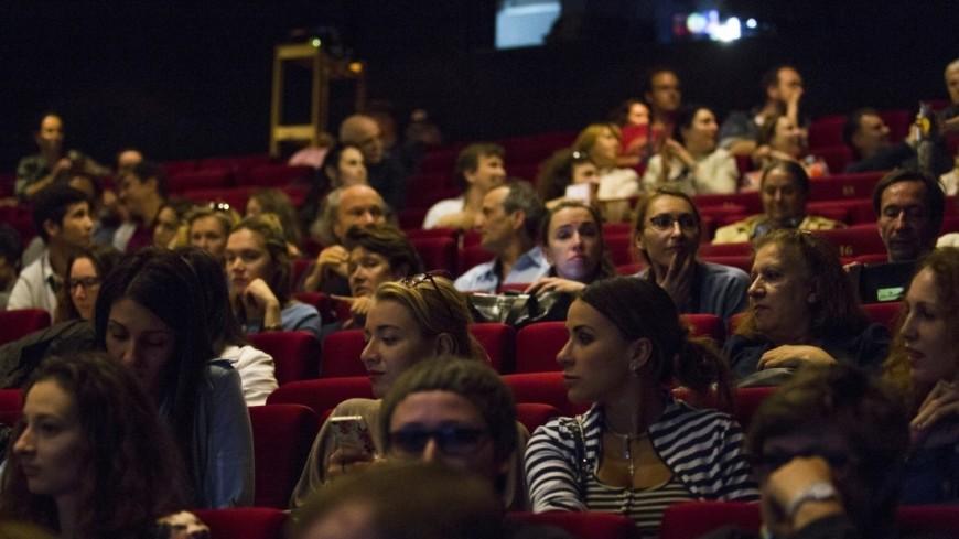 Полное погружение в театр: секрет популярности иммерсивных спектаклей