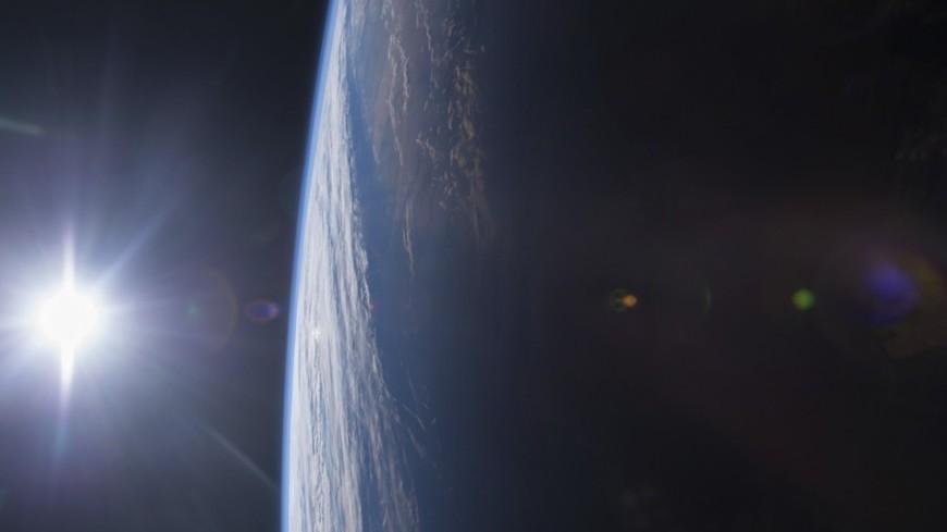Фото Tesla на орбите стало снимком месяца в Чехии