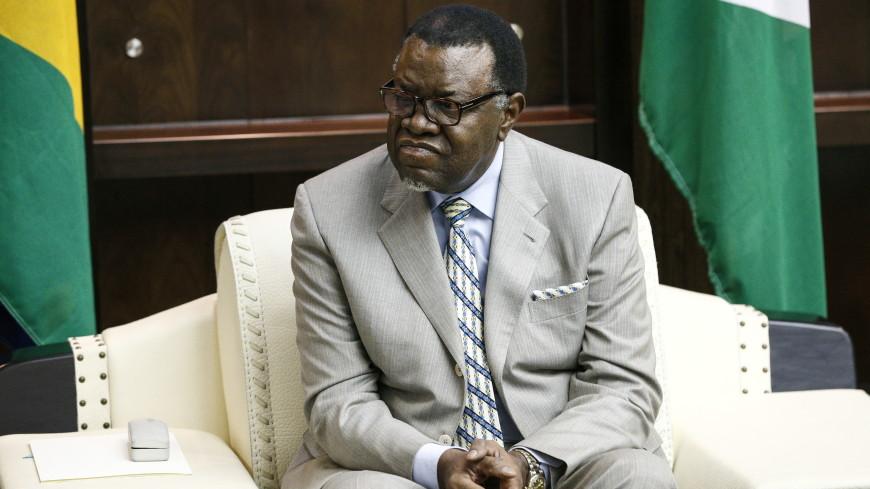 Президент Намибии похвастался на параде кабриолетом УАЗ