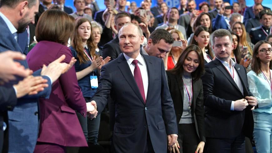 Путин признался, что смотрит свое новогоднее обращение