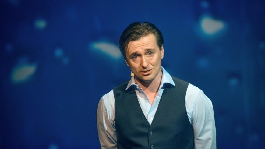 Актер Безруков проголосовал на гастролях в Архангельске