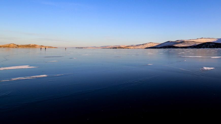 Гольфисты сыграли на льду Байкала