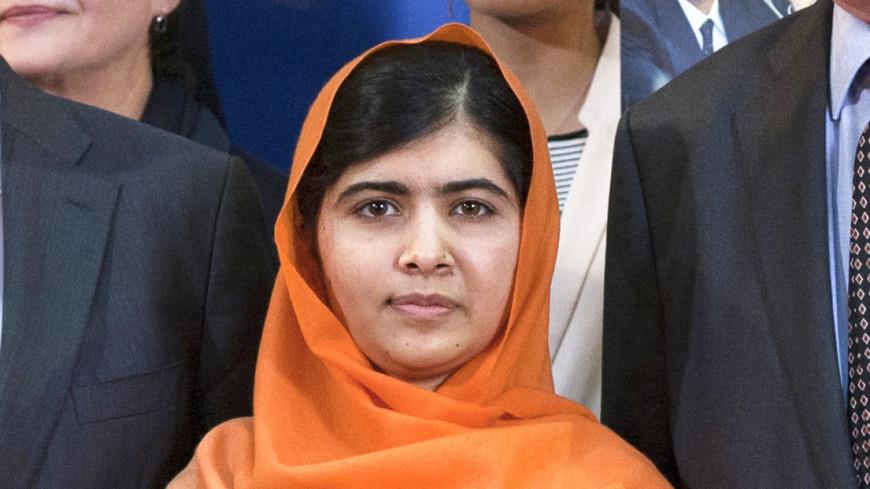Пакистанка Малала Юсуфзай вернулась на родину через шесть лет после покушения