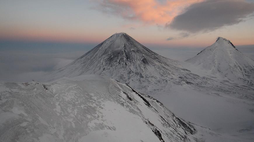 Пожарные Камчатки поднялись на высочайший в Европе вулкан