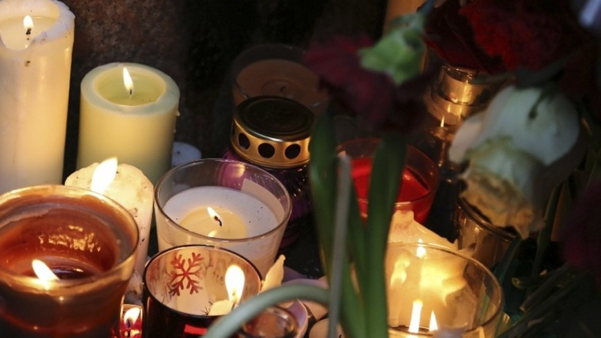 Свечи скорби по жертвам кемеровского пожара зажгли в Тбилиси