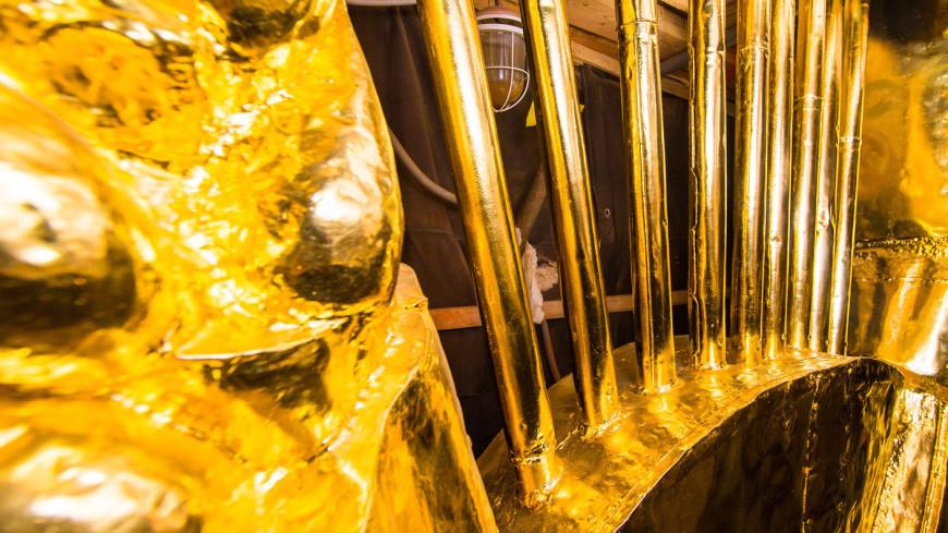 В Центральном павильоне ВДНХ отреставрировали золотую звезду