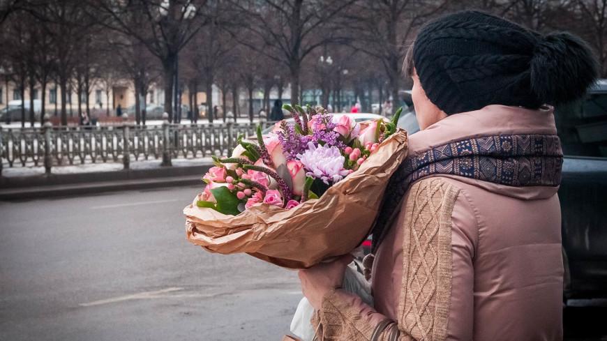 Подарки к 8 марта: чего хотят женщины