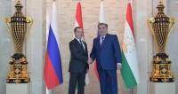 Рахмон и Медведев обсудили трудовую миграцию и образование