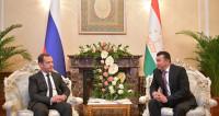 Визит Медведева в Душанбе: подписано соглашение о мигрантах