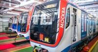 В метро Москвы запустили новейший состав со сквозным проходом