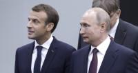 Путин и Макрон встретились с командами по фехтованию