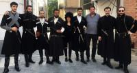 Чоха, чихтикоби, кабалахи: Грузия отмечает День национального костюма