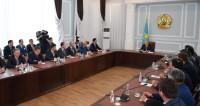 Назарбаев «в полях» обсудил с предпринимателями развитие бизнеса