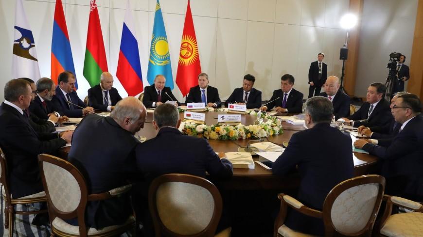 Путин: Среди приоритетов ЕАЭС – устранение барьеров и цифровые проекты