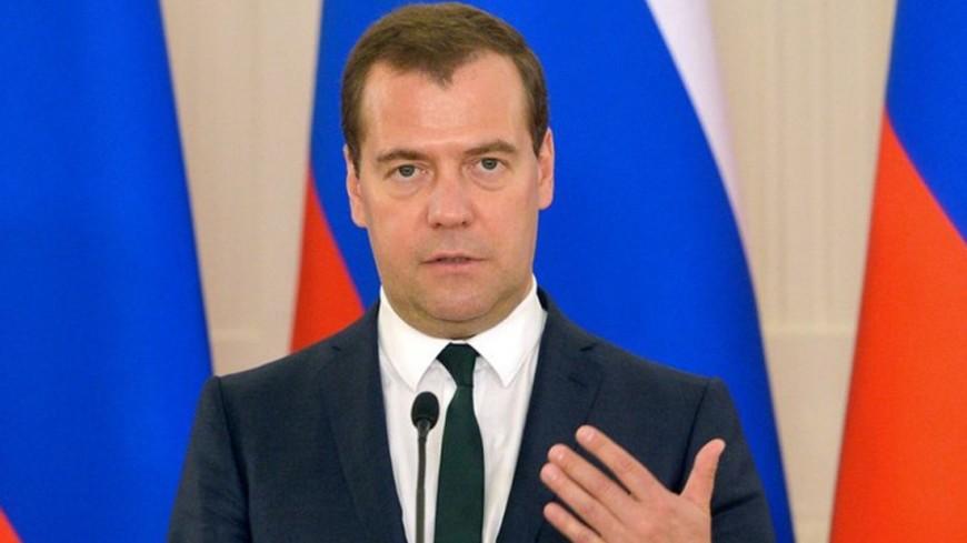 Медведев: Правительство готово работать по нацпроектам вместе с СП