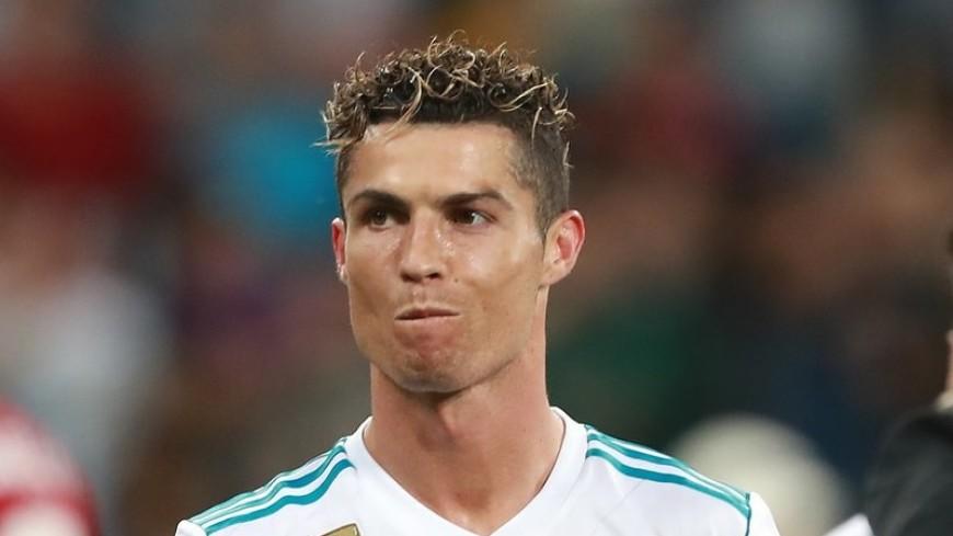 СМИ: ПСЖ предлагает Роналду зарплату 45 млн евро в год