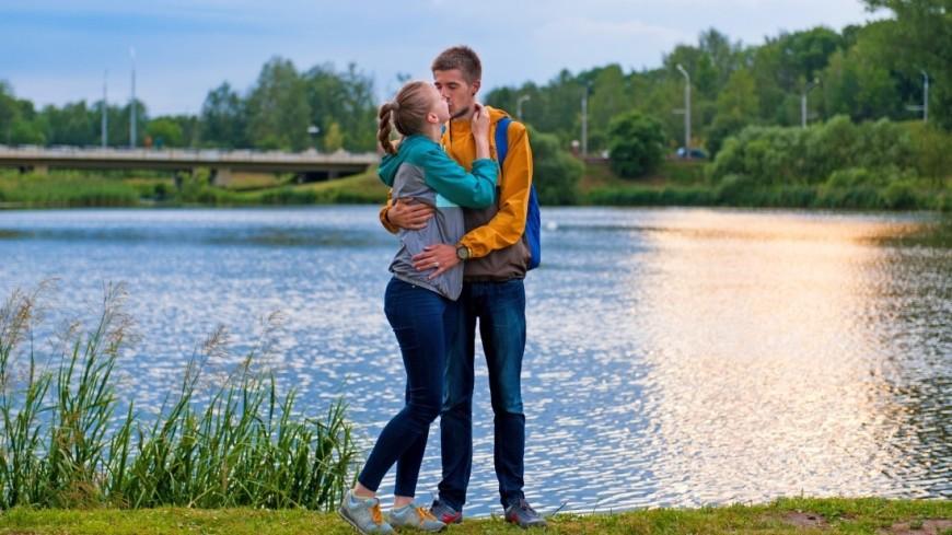 """Фото: Анна Тимошенко (МТРК «Мир») """"«Мир 24»"""":http://mir24.tv/, парень и девушка, пара, любовь, поцелуй, отношения, девушка и парень"""