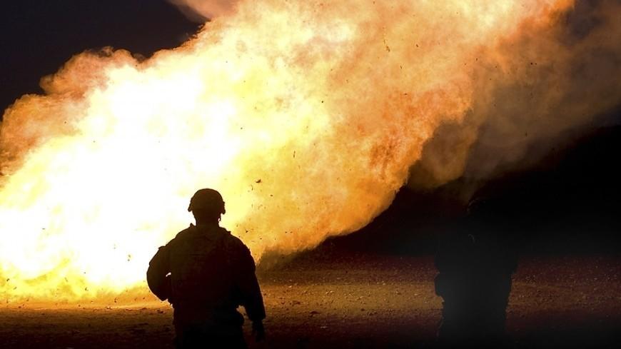 "Фото: SGT. Gustavo Olgiati, ""Минобороны США"":http://www.defense.gov/, взрыв, пожар, пожарные, пожарные сша"