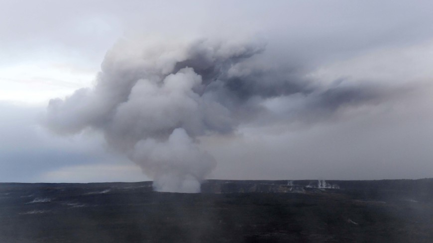 На Гавайях эвакуируют людей из-за новых лавовых всплесков