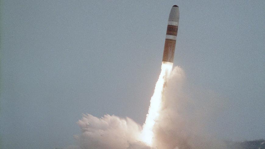 Опубликовано видео залпового пуска ракет «Булава» из Белого моря