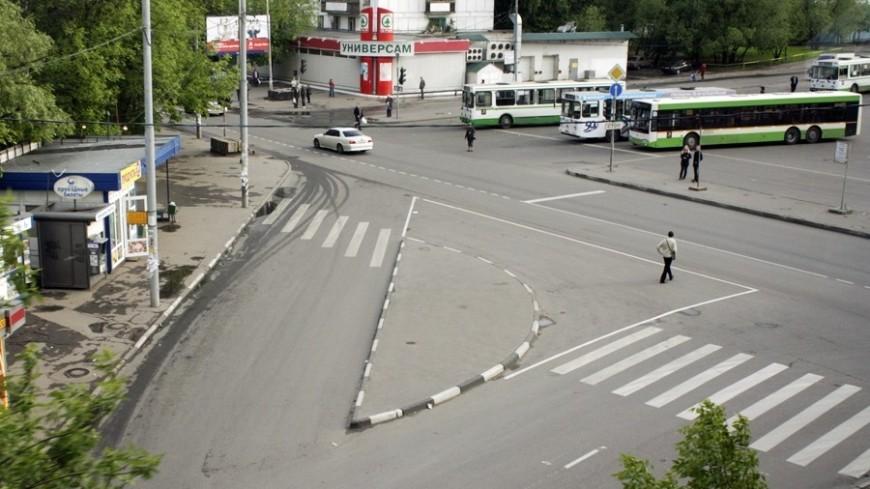 "Фото: Елена Андреева, ""«Мир24»"":http://mir24.tv/, переход, дорожное движение, перекресток, зебра-переход"