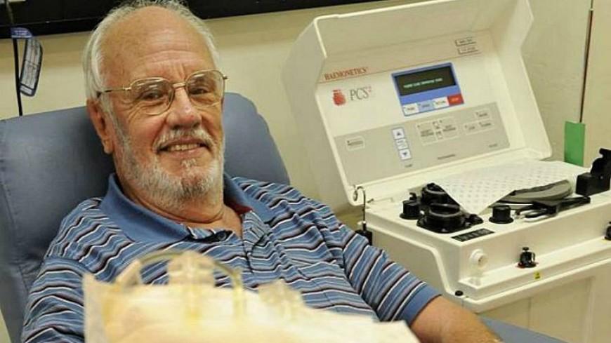 «Человек с золотой рукой»: донор из Австралии спас 2,5 млн детей