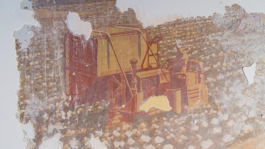 Фрагменты живописи неизвестного автора нашли при реставрации ВДНХ