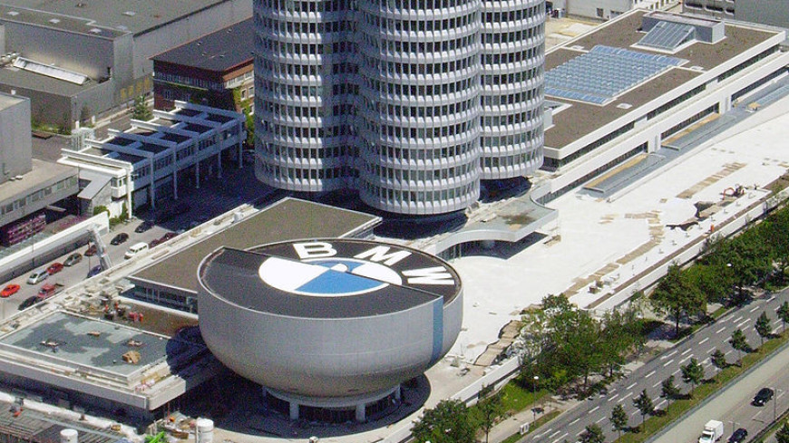 BMW отзывает более 300 тысяч авто в Великобритании