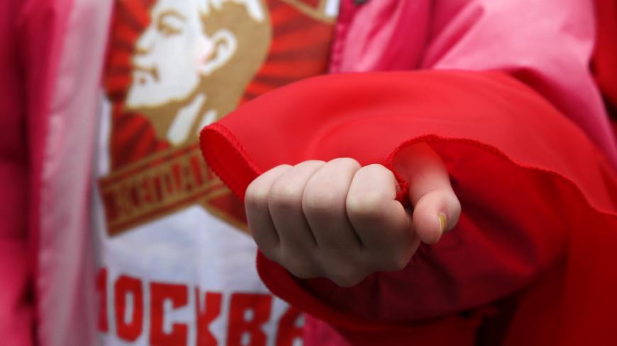 «Всегда готовы!» В Москве 3000 школьников приняли в пионеры