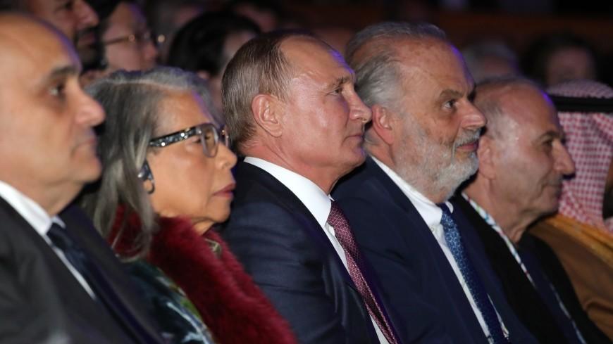 Путин пригласил ценителей искусства в Россию на Год театра