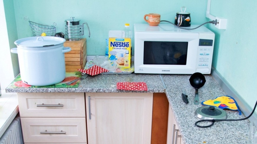 """Фото: Максим Кулачков (МТРК «Мир») """"«Мир 24»"""":http://mir24.tv/, посуда, дом для мамы, кухня, кострюля, микроволновка"""