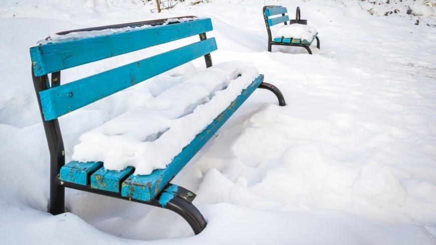 Зима в городе (снег, сугроб, холод, мороз, скамейка, скамья, парк, аллея)