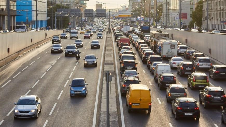 "Фото: Дмитрий Белицкий (МТРК «Мир») ""«Мир 24»"":http://mir24.tv/, дорога, машина, автомобиль, пробки, дороги, пробки в москве, авто"