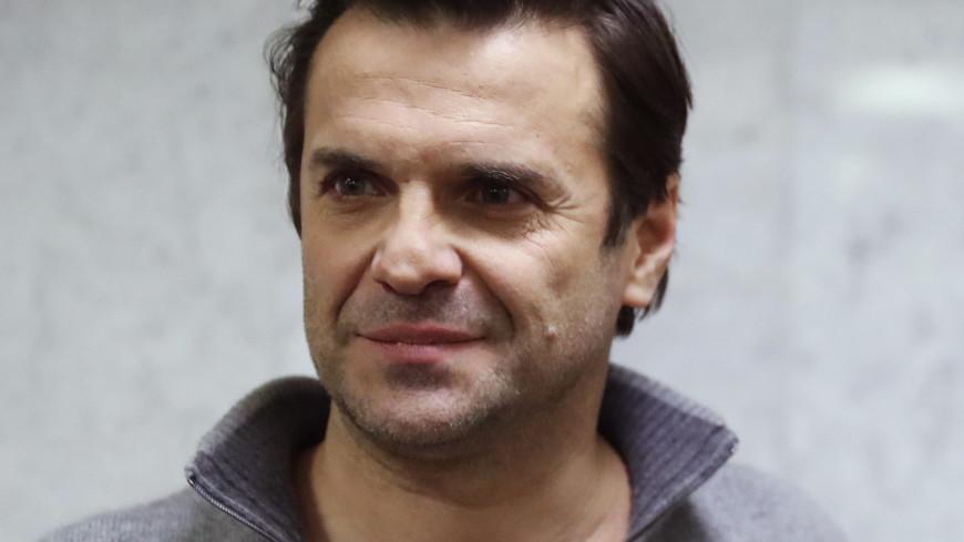Актер Сергей Астахов рассказал о романе с учительницей