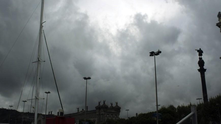 "Фото: Елена Андреева, ""«Мир24»"":http://mir24.tv/, тучи, порт, море, барселона, шторм"