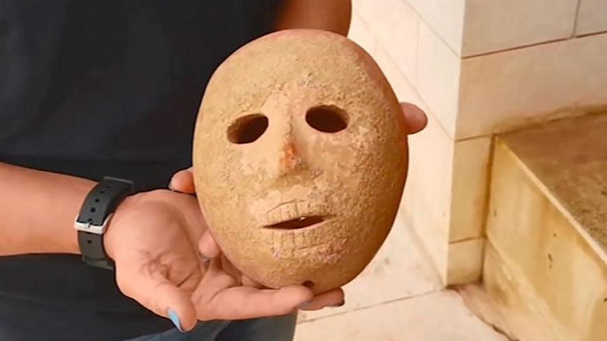 В Израиле нашли уникальную древнюю маску из камня