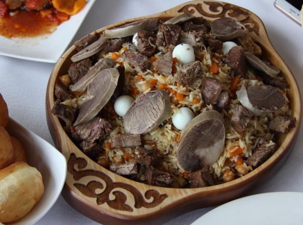Кулинарная карта Казахстана: Ханский плов, бешбармак и сочные манты