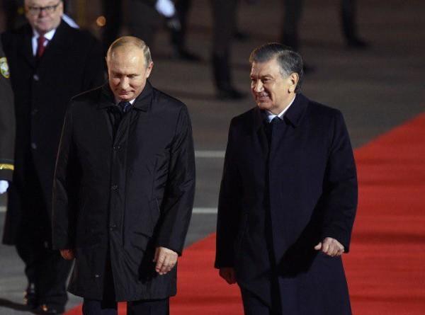 Строительство АЭС и подписание соглашений: Путин прибыл в Узбекистан