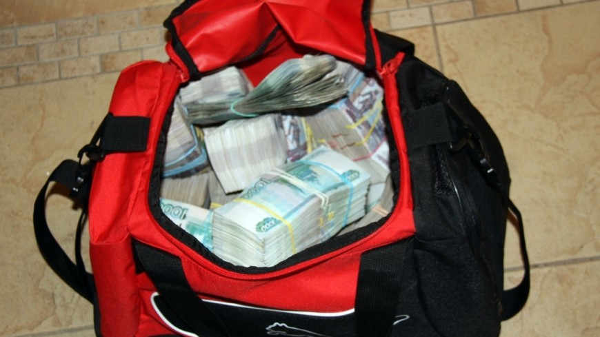 """Фото: Мария Чегляева, """"«МИР 24»"""":http://mir24.tv/, рубли, деньги, взятка"""