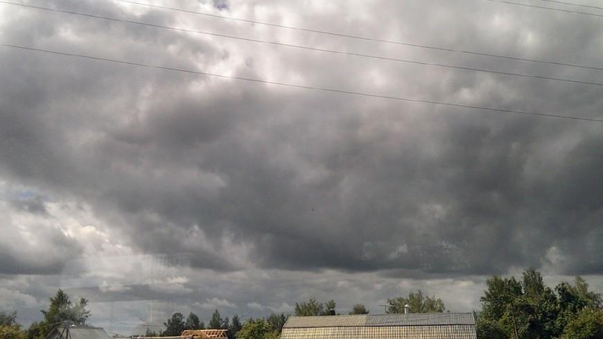 """Фото: Елизавета Шагалова, """"«МИР 24»"""":http://mir24.tv/, гроза, деревня, дача, подмосковье, погода"""