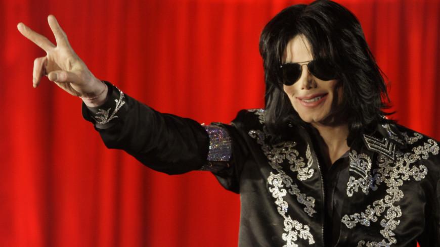 Майкл Джексон возглавил рейтинг богатейших среди умерших звезд