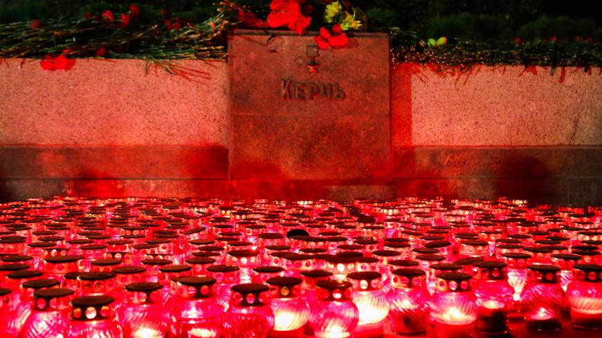 Зажгли 700 свечей. В Волгограде провели акцию в память о погибших в Керчи