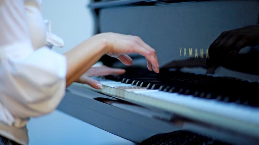 """Фото: Дарья Никишина (МТРК «Мир») """"«Мир 24»"""":http://mir24.tv/, музыканты, фортепиано, рояль, пианино, пианист, руки, искусство, музыка"""