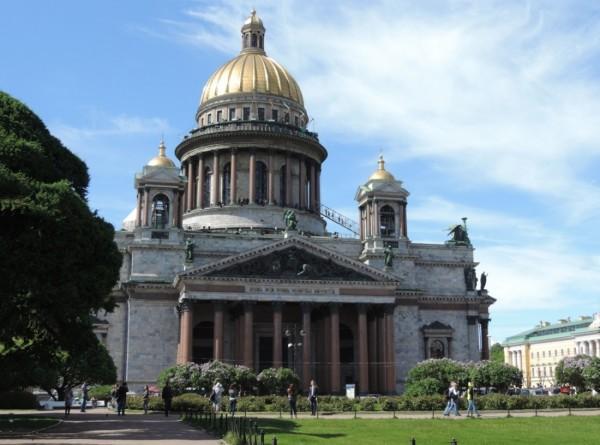 От Грибоедова до башни грифонов: самые жуткие и чудесные места Петербурга