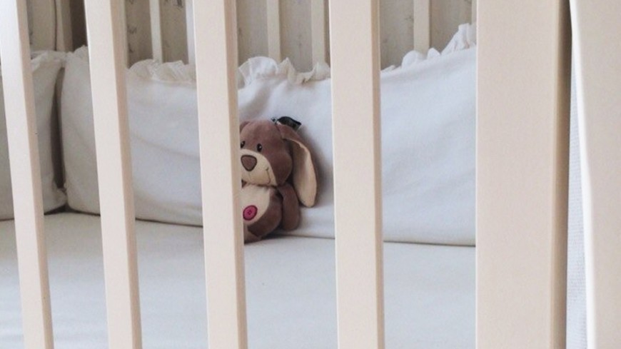 """Фото: Елизавета Шагалова, """"«МИР 24»"""":http://mir24.tv/, детство, ребенок, дети, кроватка, детская, игрушка, мягкая игрушка"""