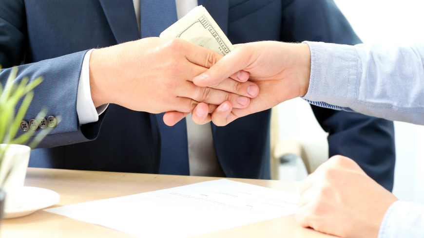 Как правильно «дать на лапу»: самые необычные взятки